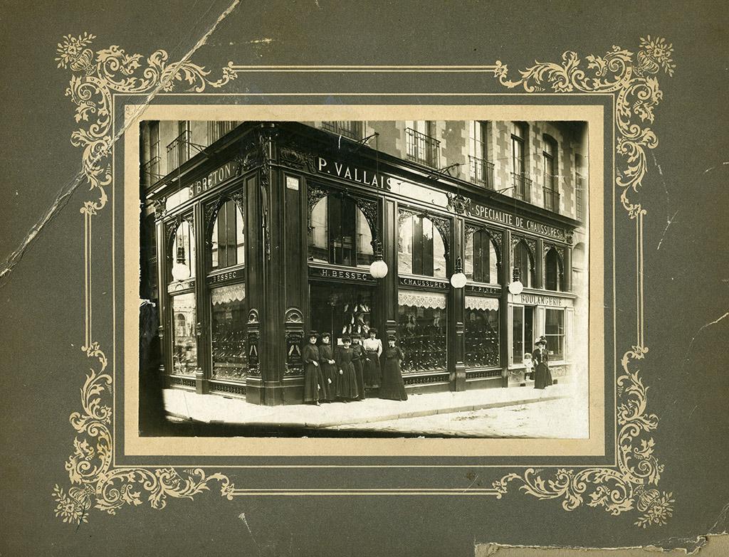 Au Bas Breton, rue de Rohan, [entre 1892 et 1918]. 36 Num 1.